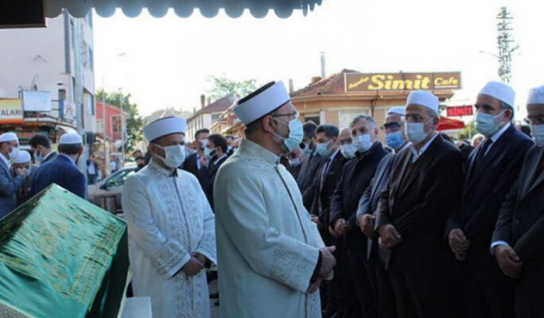 Erbaş Yeniçağa'da cenaze namazına katıldı